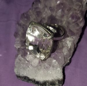 FREE W BUNDLE Vintage style cocktail ring.